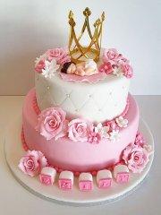 Walt Disney Would Admire This Giant Cinderella Castle Cake