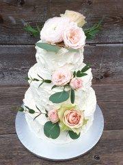 rosen-weisse-torte-dreistoeckig.jpg